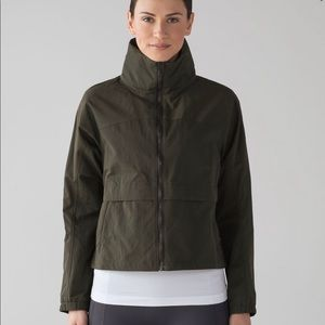 Lululemon efforless jacket *dark olive*